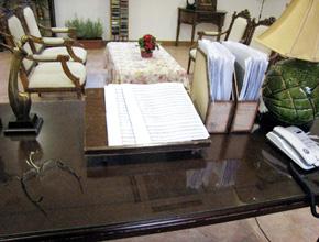 カン・マエの事務室
