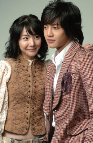 ついにDVD発売!ヒョンジュンの初撮りはキスシーン?「愛もリフィルできますか?」予告動画公開中!