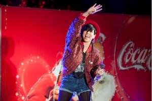 有楽町・コカ・コーラXマスイベントで歌姫AI「ハピネス」熱唱!興奮のイベントをレポート!WEB限定CM