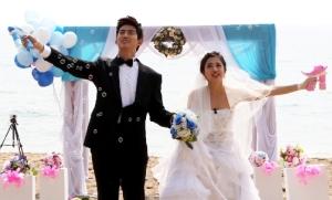 2PMテギョンは台湾人女優と、FTISLAND イ・ホンギは日本人女優と仮想国際結婚!「私たち結婚しました」12月DVDリリース!