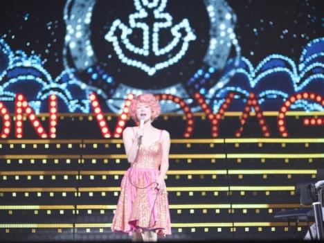 椎名林檎アリーナツアー映像DVD「(生)林檎博'14 ―年女の逆襲―」18日リリース!MV公開中