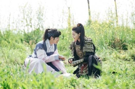 「麗<レイ>~花萌ゆる8人の皇子たち~」ベクヒョン(EXO)を一途に想う大将軍の娘役チ・ヘラのインタビュー映像公開!