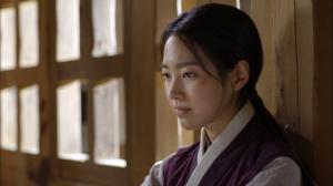 オクニョ、女囚に…テウォンの素性が明らかに!NHK「オクニョ 運命の女(ひと)」第8話あらすじと見どころ、予告動画