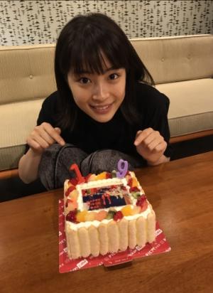 19歳になった広瀬すずがLINE LIVEに登場!広瀬アリス・