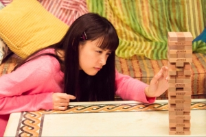 Amazon「東京アリス」トリンドル玲奈がDV!? 朝比奈彩が不倫!?第9話あらすじと場面写真公開!