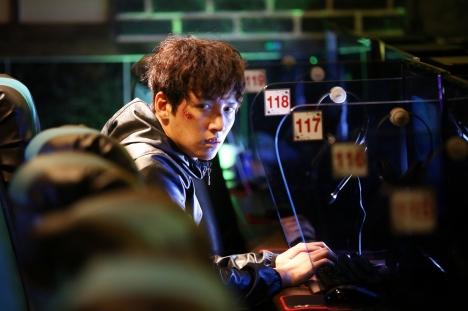 チ・チャンウク初主演韓国映画『操作された都市』公開直前!スピード感あふれる本編冒頭映像解禁!<br/>