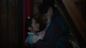 韓国ドラマ「七日の王妃」第5-6話あらすじと見どころ:忘れられない人~突然の口づけ!予告動画