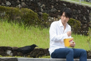 NHKBS 10日眞島秀和主演ドラマSP「カラスになったおれは地上の世界を見下ろした」 あらすじと予告動画