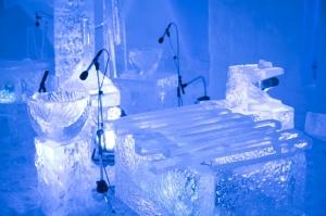 【星野リゾート・トマム】雪と氷でできたドーム型の「氷の教会」での2/17のコンサートを動画で紹介!