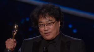『パラサイト』ポン・ジュノ監督、米アカデミー賞授賞式を感動と拍手で沸かせたスピーチ動画紹介
