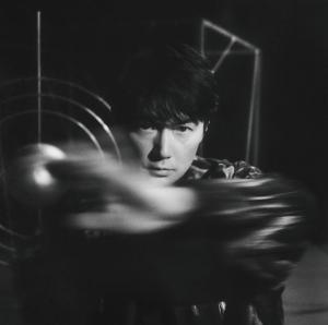 福山雅治、デビュー30周年記念オリジナルALタイトルは父の名前「AKIRA」!初のオンラインライブ実施決定