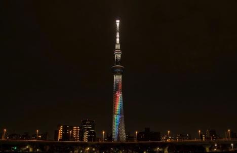 "NiziUデビューを祝し""東京スカイツリー(R)"" に虹架かる!そして街中がNiziU一色に!"