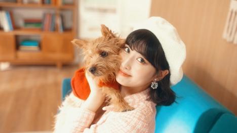 yukaDD(; ́∀`)の1stAL収録曲「Superhero」MVにTWICEのMOMOが愛犬と一緒に初出演!