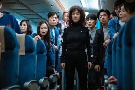 2/12公開『ノンストップ』キム・ナムギルら豪華出演陣の新場面写真をシーン説明と一緒に解禁|韓国映画