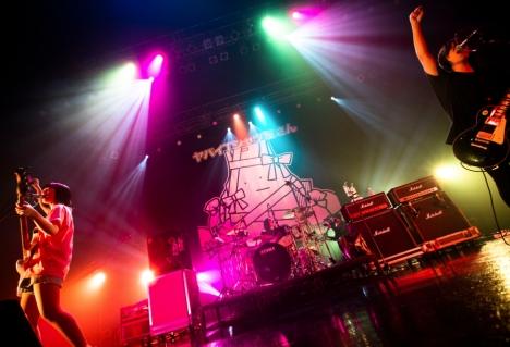 """ヤバイTシャツ屋さん ライブハウスにはやく日常が戻ってきますように!免疫力の上がる200%のライブを披露して""""You need the Tank-topツアー""""Zepp Tokyo 5days 10公演完走!9日最終日レポート&写真公開"""