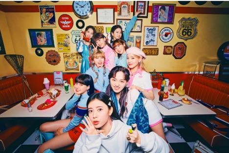 NiziU新曲「Take a picture」MV公開!縄跳び、ラビットに続く第3弾のナンバーダンスに注目!