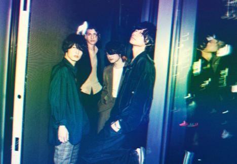 [Alexandros]5/5発売「閃光」より新メンバーにリアド偉武(Dr)の加入決定!&新ア写真解禁!