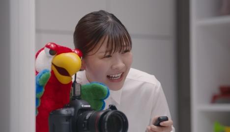 こども写真館「スタジオマリオ」TVCM「マリオで笑おう篇」で、伊藤沙莉が超絶タンバリンテク披露!CMとメイキング解禁