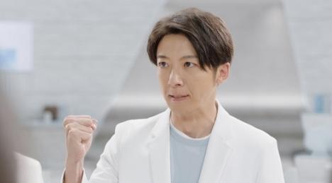 高橋一生が熱血所長を熱演する「アキュビュー®」新TVCM5/12 OA前にWEB解禁!<br/>