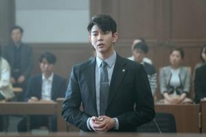 ユン・ギュンサンが辣腕弁護士から臨採教師になったワケは?「潜入弁護人~Class of Lies~」第1回無料公開