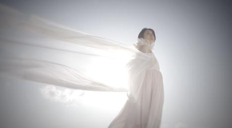 Ms.OOJA 「Sweet Home」ファンから募集の家族写真を使ったMusic Video解禁!
