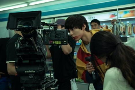 コン・ユ&パク・ボゴムが共演エピで相思相愛ぶりを披露した『SEOBOK/ソボク』5分半メイキング映像到着!