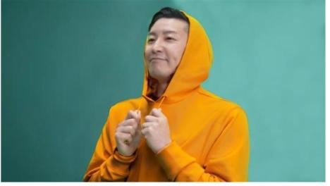 チョコプラがMr.Parka jrそっくりの英国アーティストになりきり!?「ウェラーマン」 のパロディMV誕生!<br/>