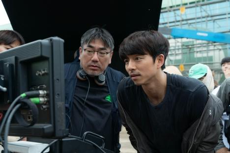 コン・ユ、出演オファーを断っていた!?パク・ボゴムはムードメーカー!『SEOBOK/ソボク』インタビュー映像