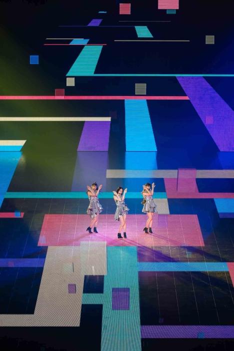 8/14・15日「Perfume LIVE 2021 [polygon wave]」オフィシャルライブレポート!配信情報も<br/>