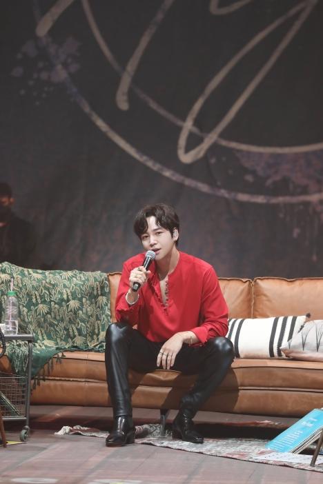 チャン・グンソク『2021 JKS Online Summer Live -Keun Night-』レポート&ライブ写真8枚公開