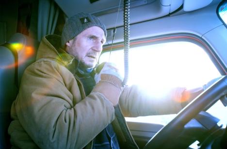リーアム・ニーソン主演最新作『アイス・ロード』11/12公開、日本版予告編とポスタービジュアル解禁