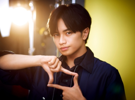 撮っても撮られてもサマになるSexy Zone 中島健人、『パーフェクトワン フォーカス』新CM出演でフォトグラファー役に