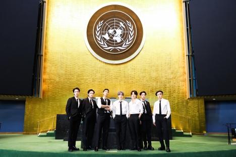 BTSはもう国連の常連!100万人以上のファンが視聴!BTS、国連総会演説&パフォーマンスに外信が集中報道<br/>